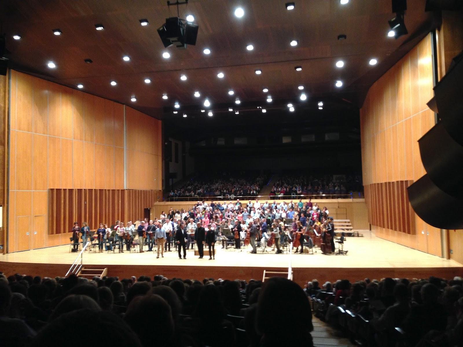 Voy A Presentar En La Orquesta De La Luz Dee B